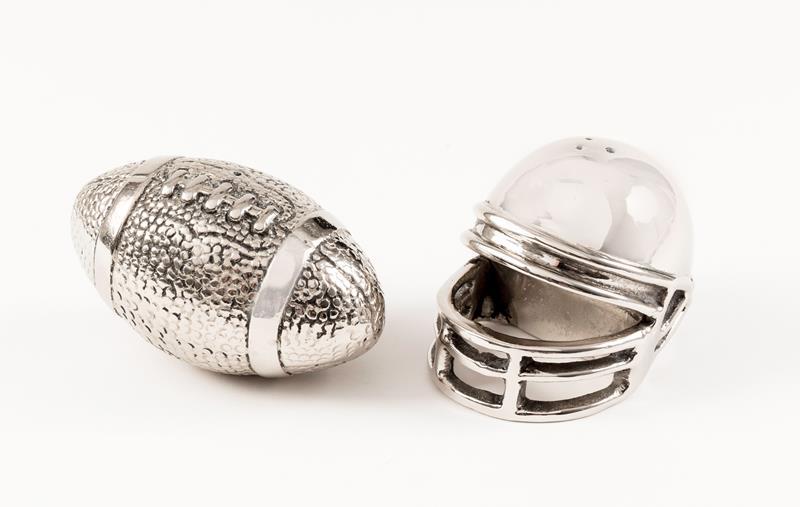 Football and Helmet Salt and Pepper Shakers,42151